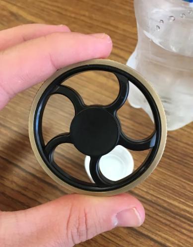 Arrowhead Students Fidget With Their Fidget Spinners