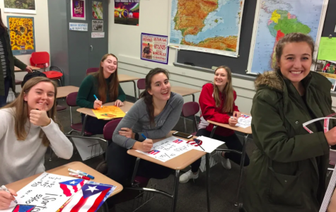"Spanish Students say, ""iBienvenidos!"" to Spanish Honor Society Applications"