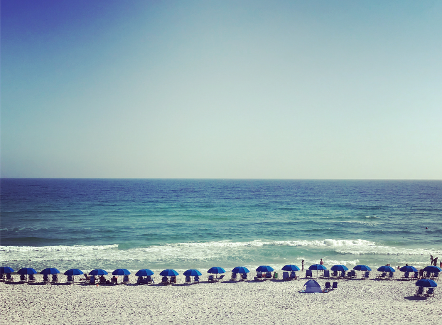 A beachside view in Destin, Florida. Photo taken by Myla Elahi.
