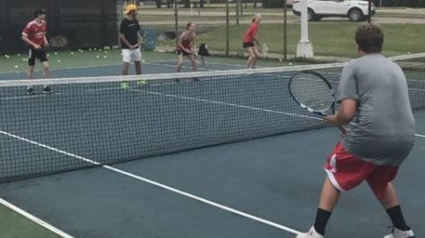 Arrowhead Tennis Players Participate in Tennis Camp